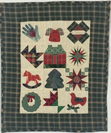 MINIATURE PIECED HAND QUILTED HOLIDAY QUILT